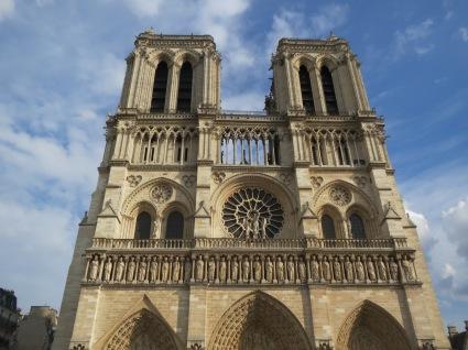 Notre-Dame: Exterior